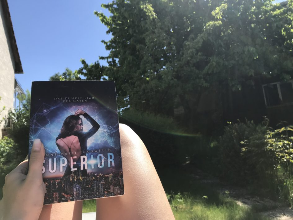 Superior - Das dunkle Licht der Gaben